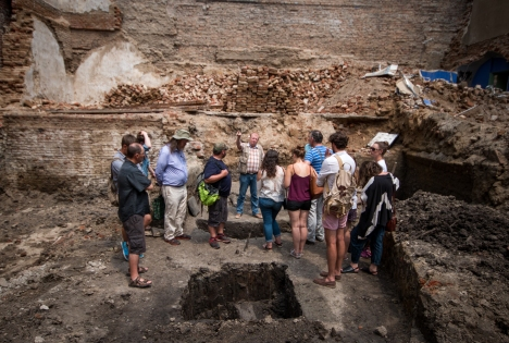 The group get an exclusive tour of a rescue excavation, at the centre of Timișoara, Romania